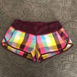 """Lululemon Speed Up Shorts 2.5"""" size 6"""
